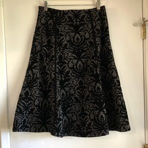 Black A-Line Velour Floral Pattern Skirt Size 10